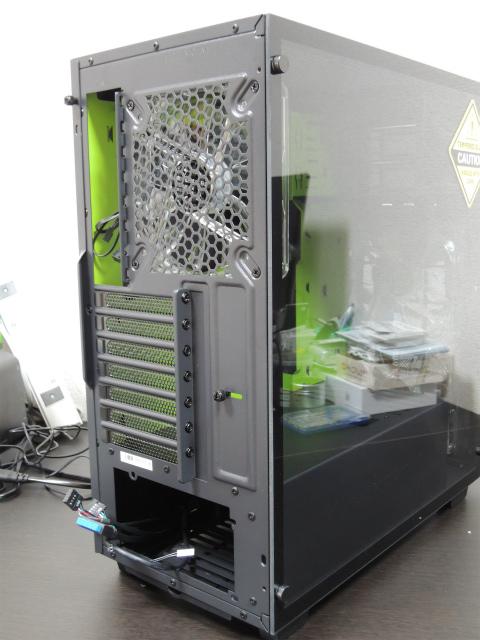 Sharkoon ゲーミングPCケース 強化ガラスサイドパネル採用 ブラック/グリーンLED SHA-DG7000-GN 正規代理店品