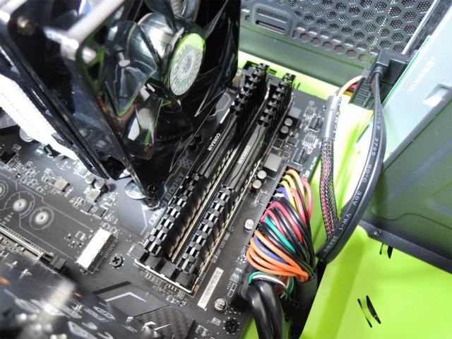 CORSAIR DDR4 メモリモジュール VENGEANCE LPX Series 4GB×2枚キット CMK8GX4M2A2666C16