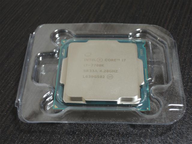 Intel CPU Core i7-7700K 4.2GHz 8Mキャッシュ 4コア/8スレッド LGA1151 BX80677I77700K 【BOX】
