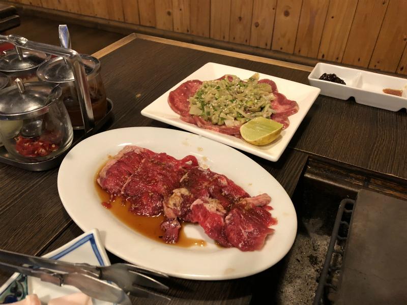 パタヤでの「焼肉居酒屋 獏」 日本では食べれなくなったレバ刺しを食べてきた