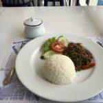 LKメトロでの昼食 VOLAREでガパオライスを食べてきた