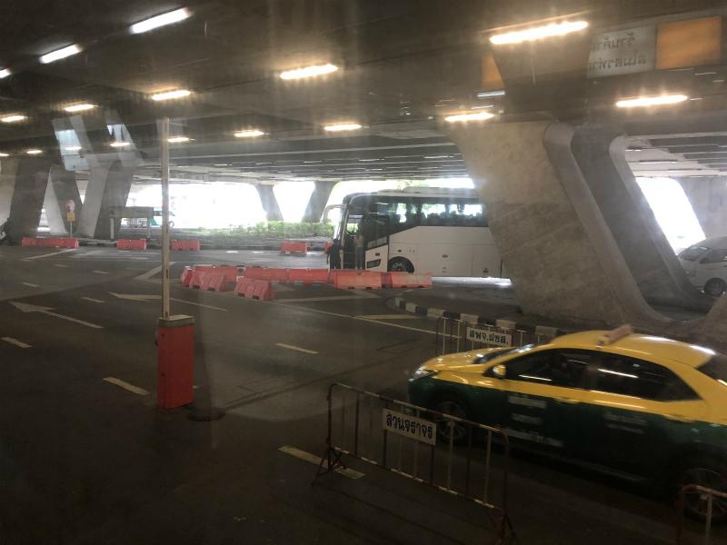 パタヤへバスでの移動