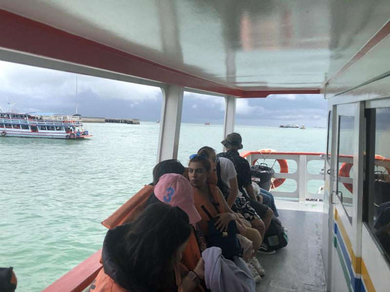 ラン島へ向けて出発