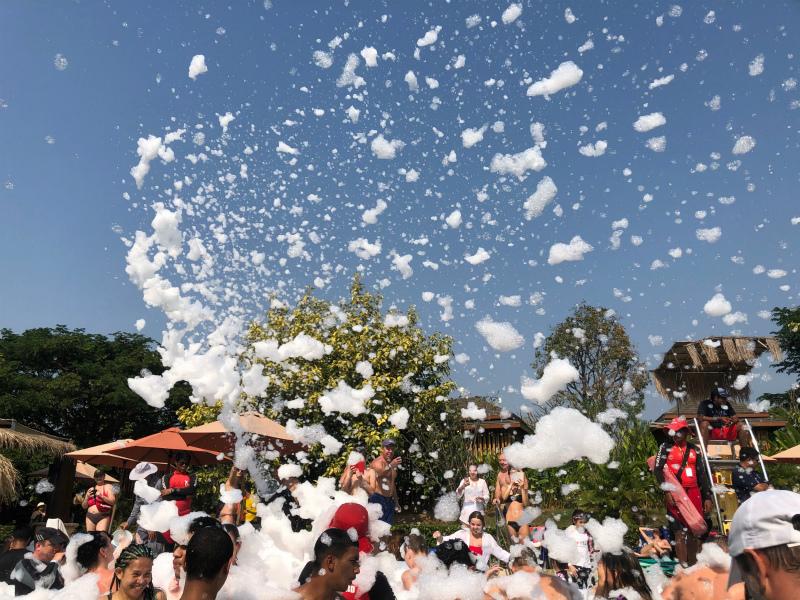 ラーマヤナ ウォーター パークの泡パーティー