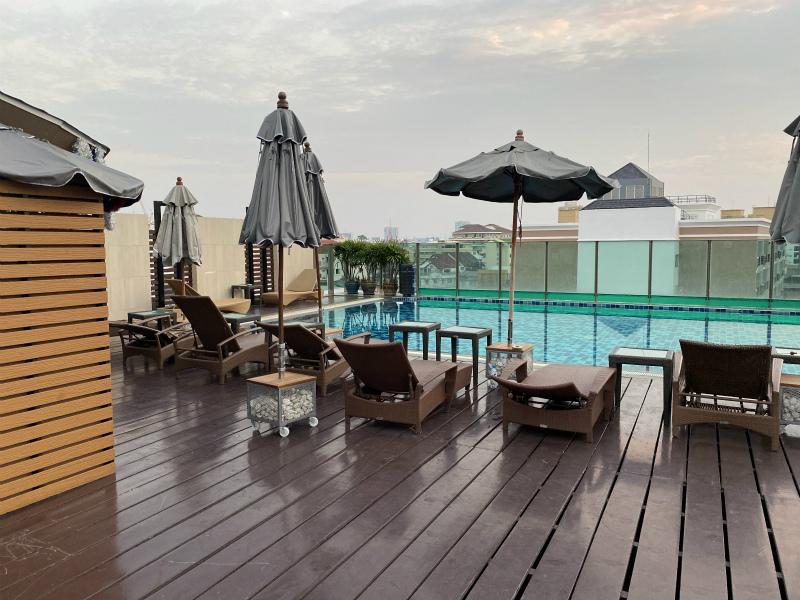 エイプリル スイーツ (April Suites Pattaya)のレビュー