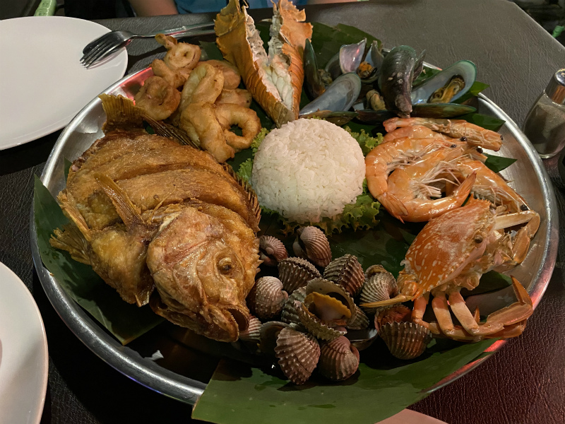 ウォーキングストリート LOBSTER POTへ海鮮料理を食べに行く
